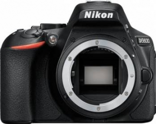 Aparat Foto DSLR Nikon D5600 Kit AF-P 18-55mm VR Black Aparate foto DSLR