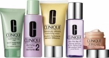 Pachet promo Clinique Daily Essentials for Dry - Combination Skin Seturi & Pachete Promo