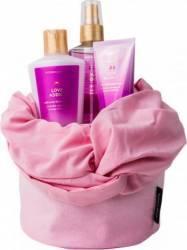 Pachet promotional Victorias Secret Love Addict Nourishing Body Spray 125ml + Body Cream 60ml + Body Lotion 125ml + Head Pachete Promotionale