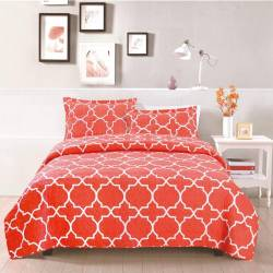 Set cuvertura matlasata Sally formata dintr-o cuvertura cu dimensiunea de 200x220 cm + Lenjerii de pat