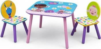Set masuta si 2 scaunele Disney Doctorita Plusica Scaune de masa