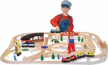 Set Trenulet din lemn cu depou Melissa and Doug Jucarii