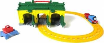 Set Trenulet Fisher-Price Thomas Si Prietenii Gara Cu Triaj Tidmouth