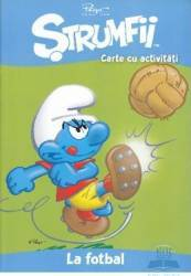 Strumfii - Carte cu activitati - La fotbal