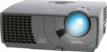 pret preturi Videoproiector Toshiba TDP-S8