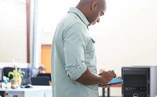 Serverul tower PowerEdge T130 – accelerati performanta in aplicatii
